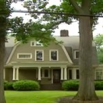 """New Jersey Family Forced To Flee Home After Receiving Letters From """"The Watcher"""""""