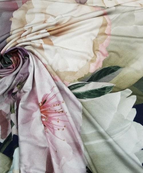 Viskosejersey große Blumen Rapport