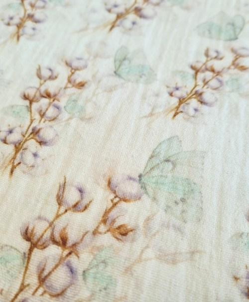 Musselin Baumwollblüte, Schmetterling