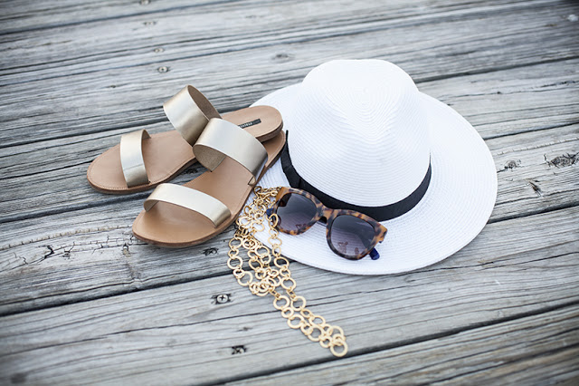 Accessories for nautical outfit