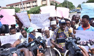Scores of community leaders and residents of Agidingbi area of Ikeja on Thursday embarked on peaceful protest against the judgment of Supreme Court which awarded ownership of 398 acres of landed property in the community to a traditional land-owning family, Akinole-Oshiun.