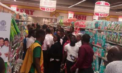 Nigerians Attempt To Vandalize Lekki Shoprite, Police Intervene