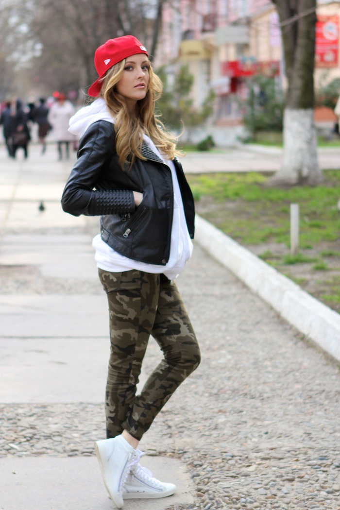 Pantaloni Military Zara