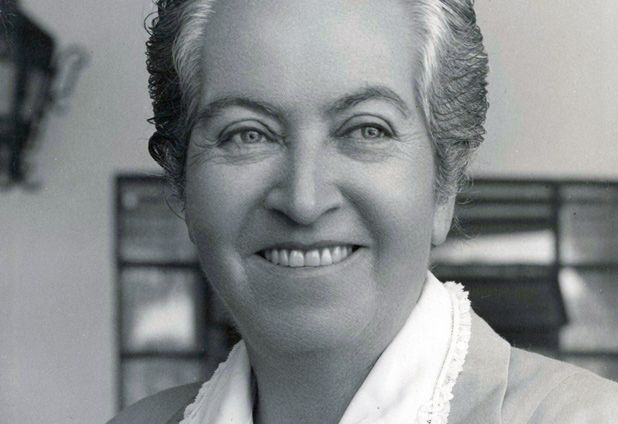 GABRIELA MISTRAL, PREMIO NOBEL EN 1945