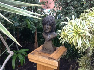 Alex Harvey bust