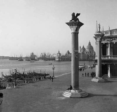Venise Colonne st Marc