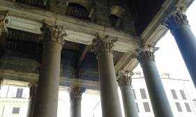 Pantheon,Pillars