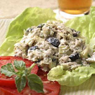 Tuna with Olives – An Easy Summertime Pantry Meal
