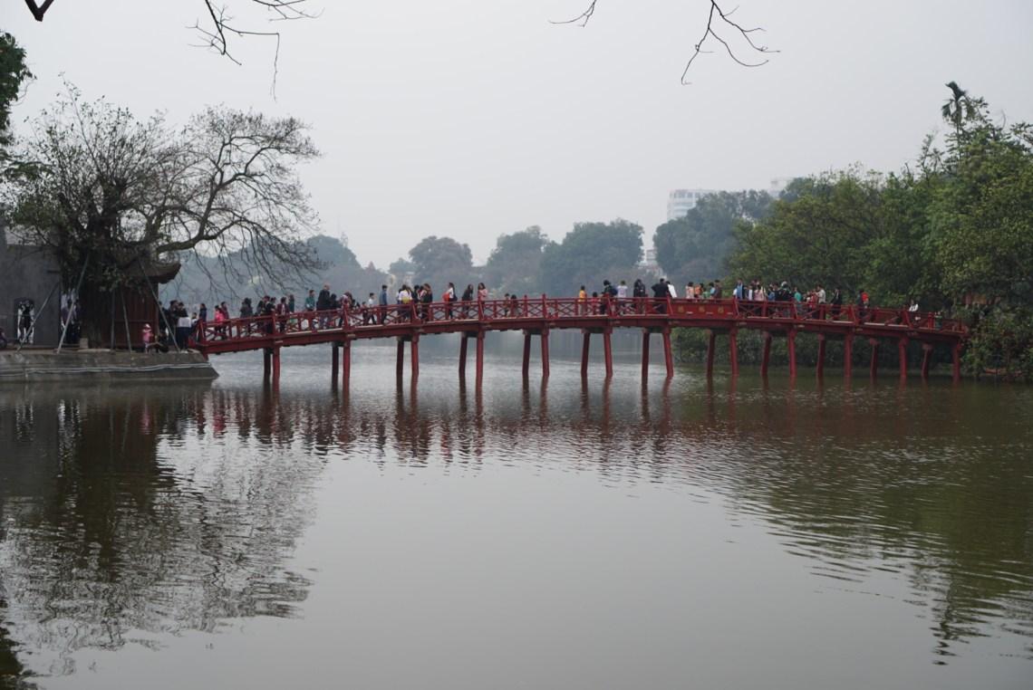 Hanoi_Hoan Kiem Lake (2)