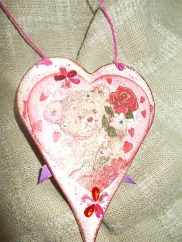 zadnja strana, salveta s akoje sam odabrala motiv mede sa ružom