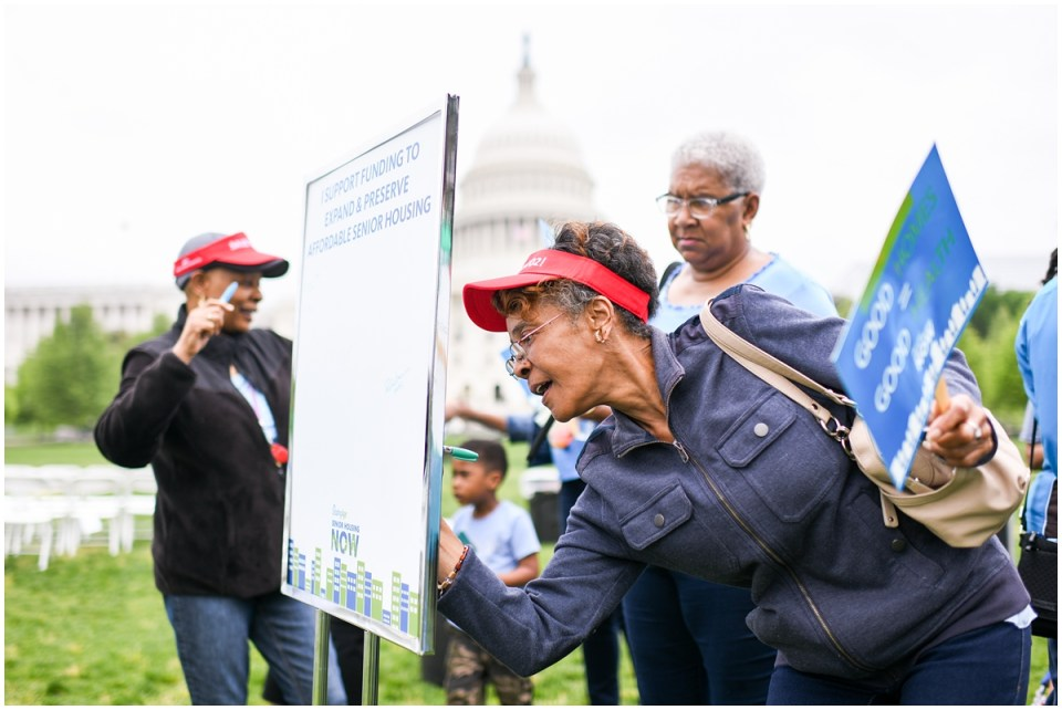 Washington DC female Latina political event photographer