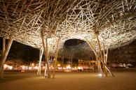 Art-Installations-By-Arne-Quinze-Cityscape-02