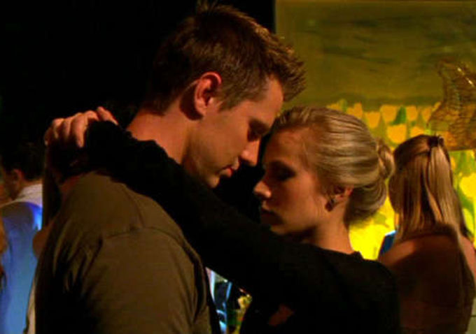jason-dohring-and-kristen-bell-on-veronica-mars