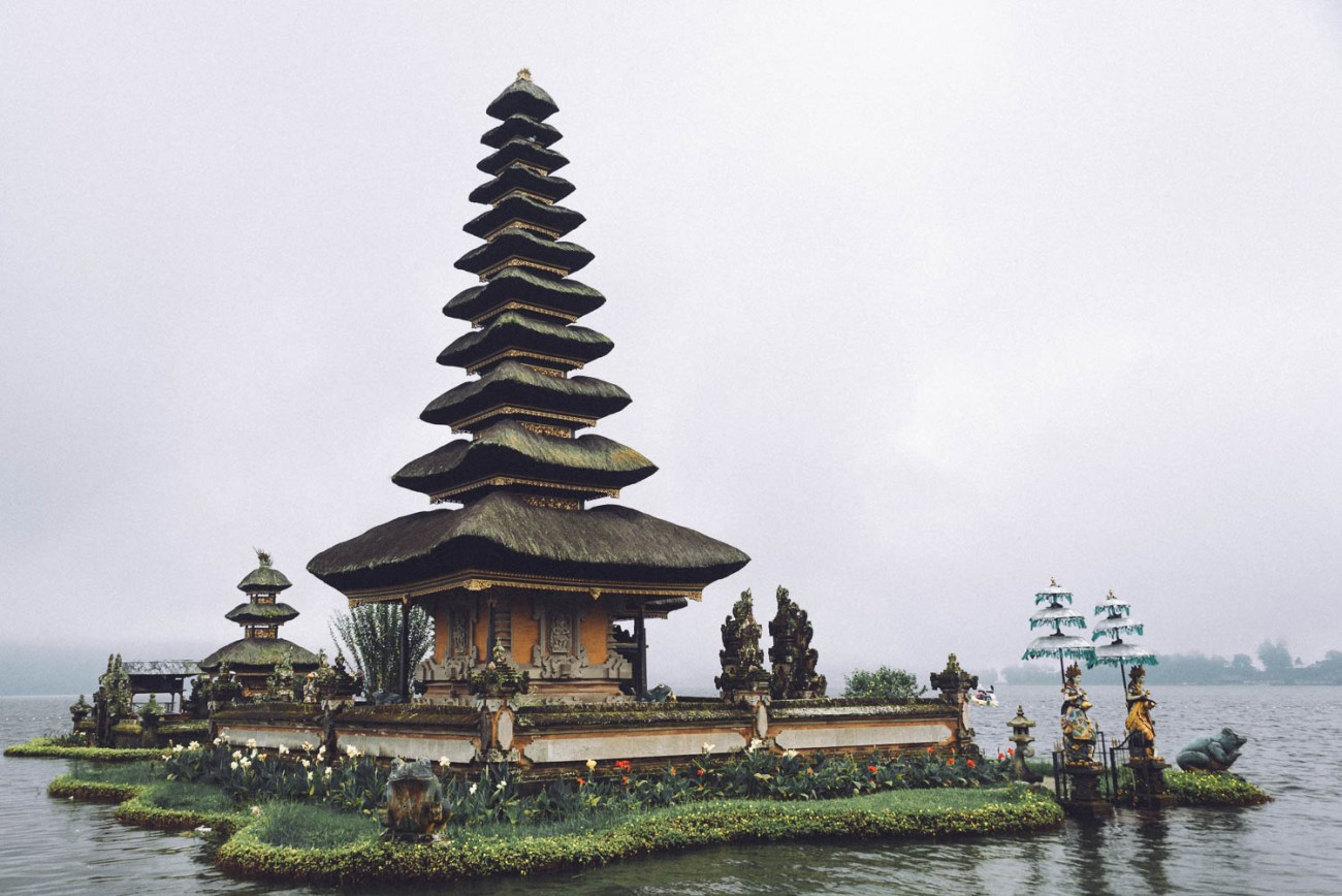 temples bali indonesia