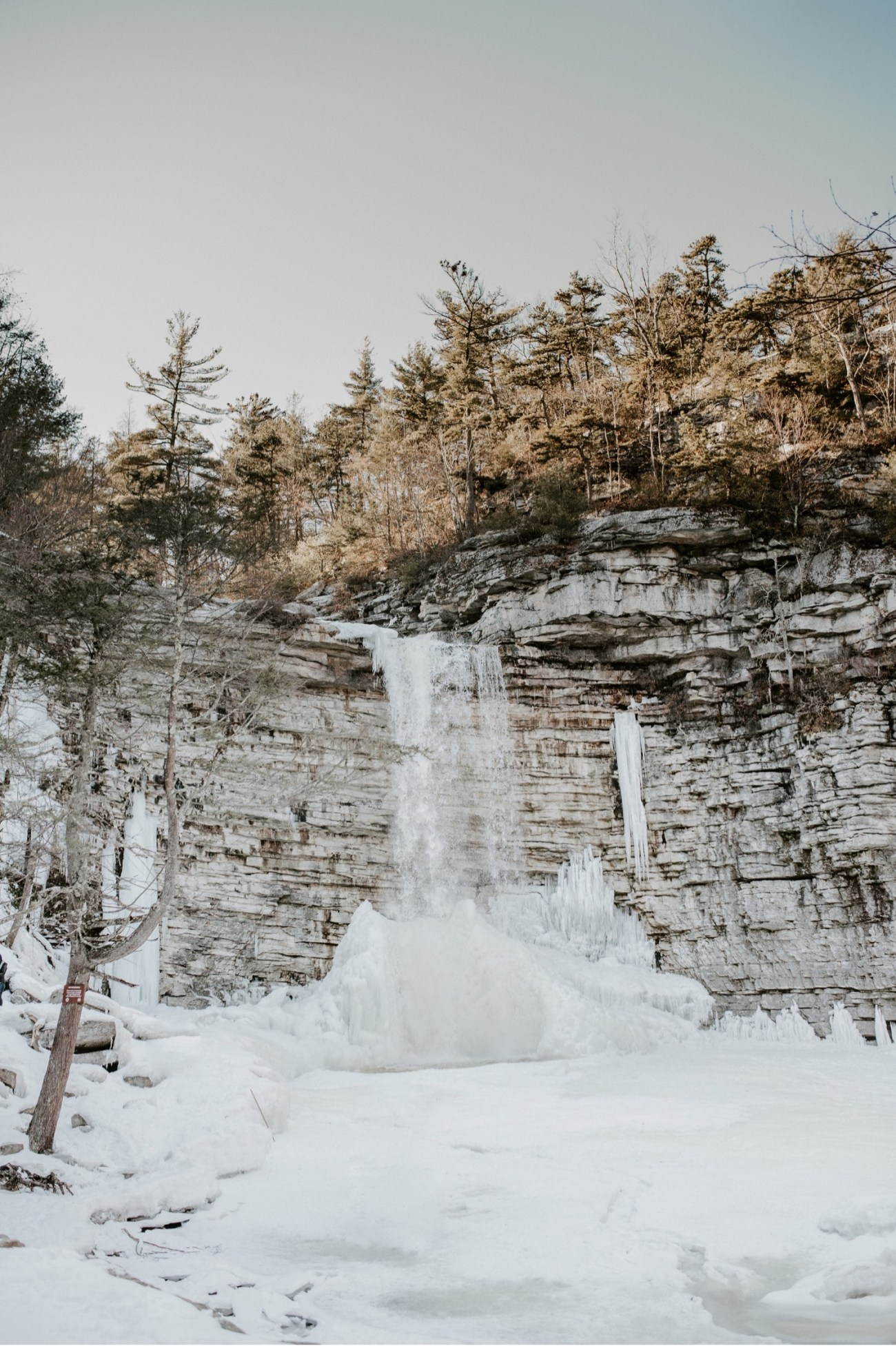 01 Minnewaska State Park Minnewaska Engagement Session Winter Engagement Adventurous Engagement