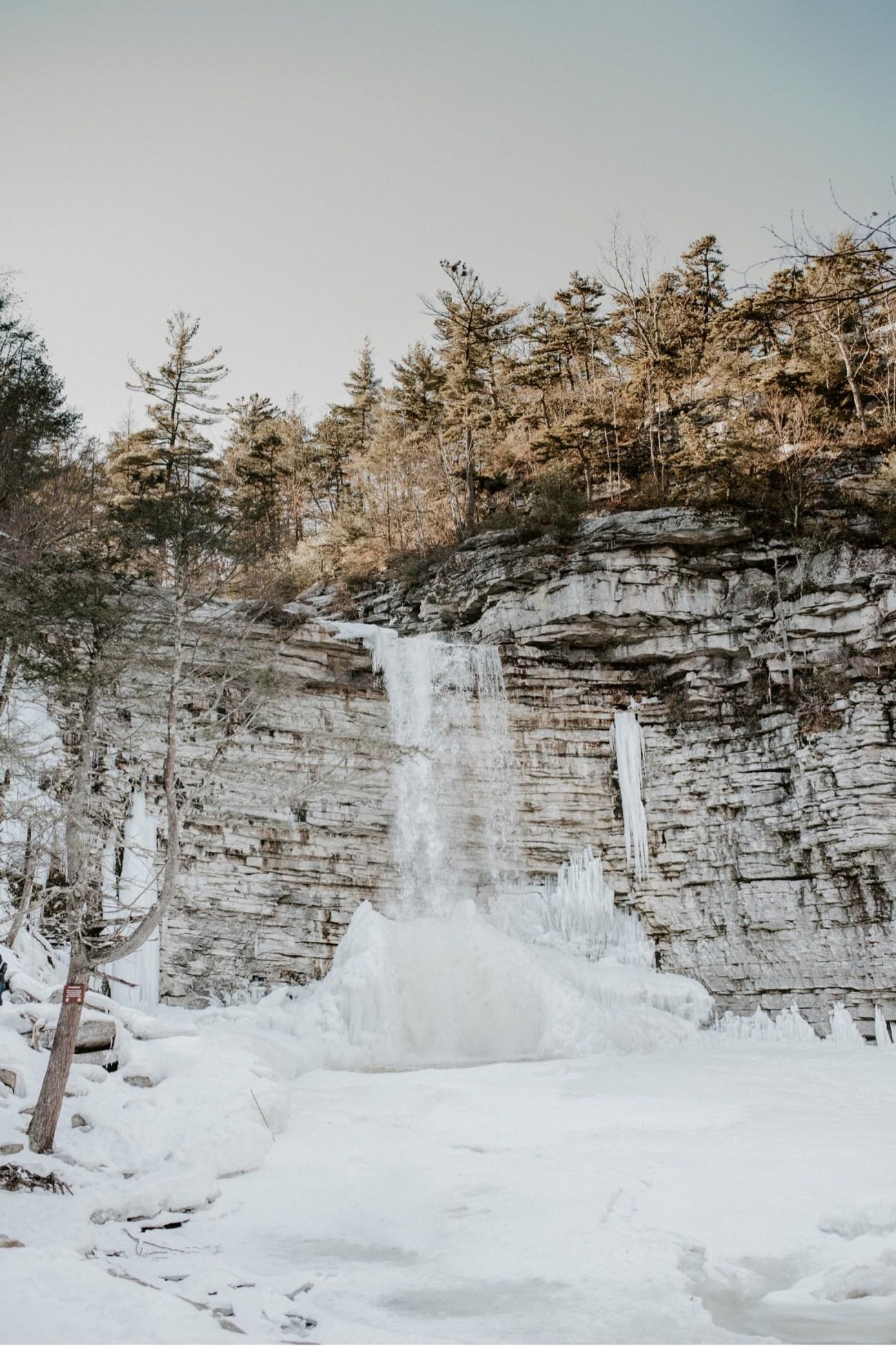 01 Minnewaska State Park Minnewaska Engagement Session Winter Engagement Adventurous Engagement