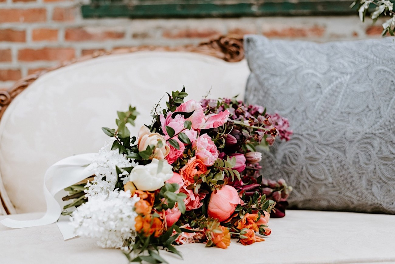 Colorful Wedding bouquet inspiration. Barnsley Manor wedding. Philadelphia Wedding Venue. Anais Possamai Photography