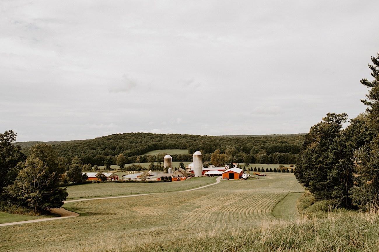 Gilbertsville Farmhouse Wedding Barn Inspiration Wedding Upstate New York Wedding Catskill Hudsonvalley Wedding 01