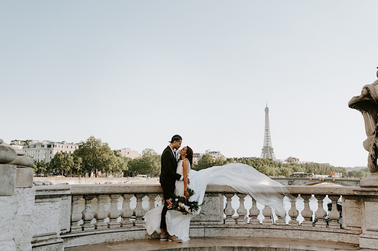 Paris Wedding Photos Paris Wedding Photographer Paris Photographe De Marriage Pont Alexandre Wedding Photos Anais Possamai Photography 15