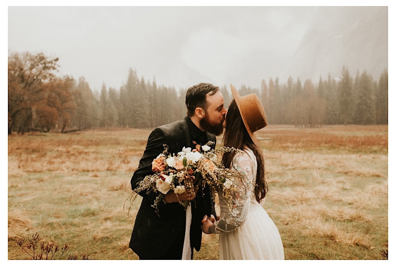 Reasons Why You Should Elope Top Reasons To Elope Elopement Photographer Yosemite National Park Elopement 010