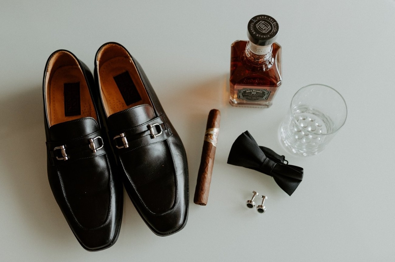 Groom wedding details when getting ready at the Fiesta Americana Condesa Hotel