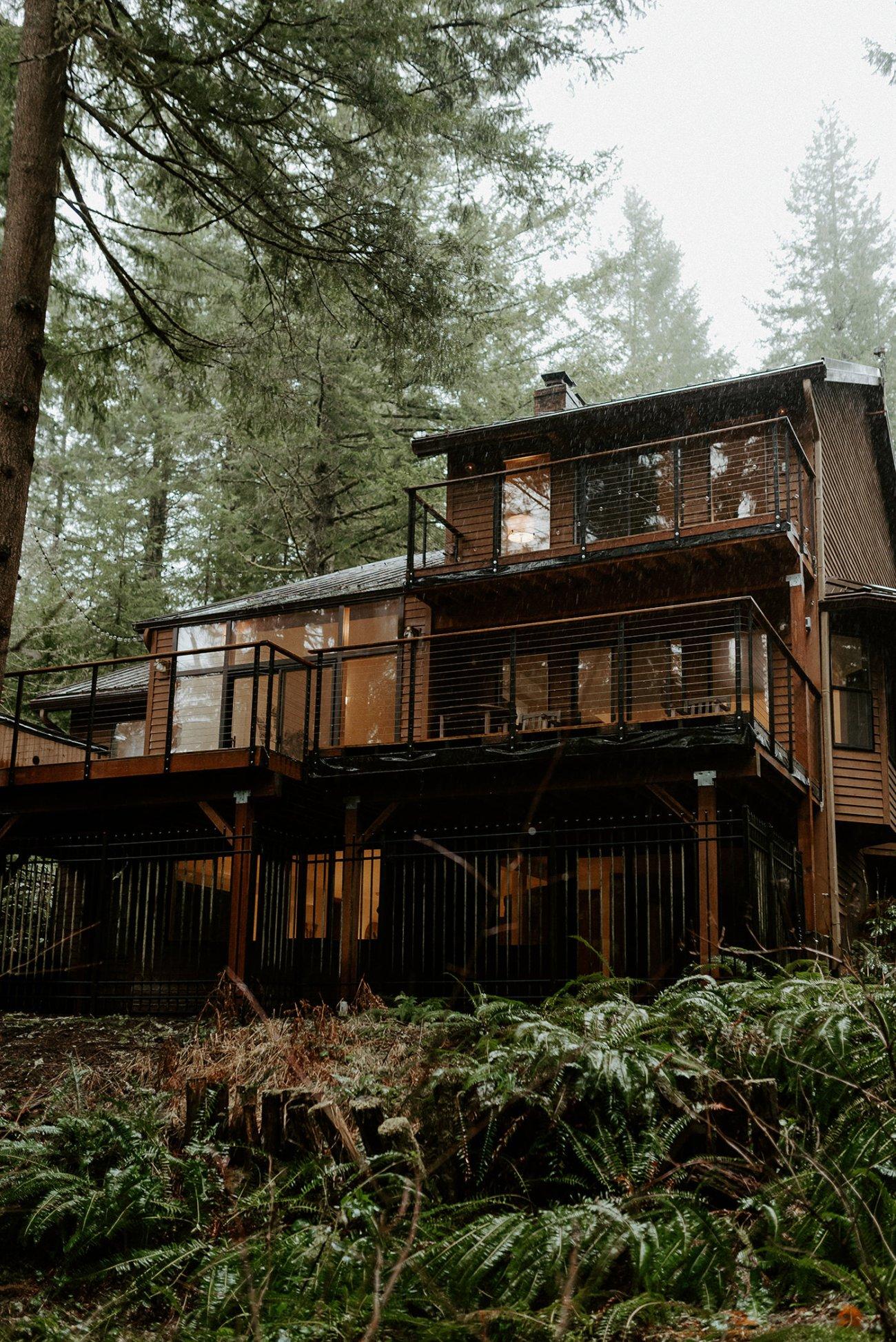 The Woodlands House Sandy Oregon Elopement Portland Elopement Photographer PNW Adventurous Elopement Anais Possamai Photography 1