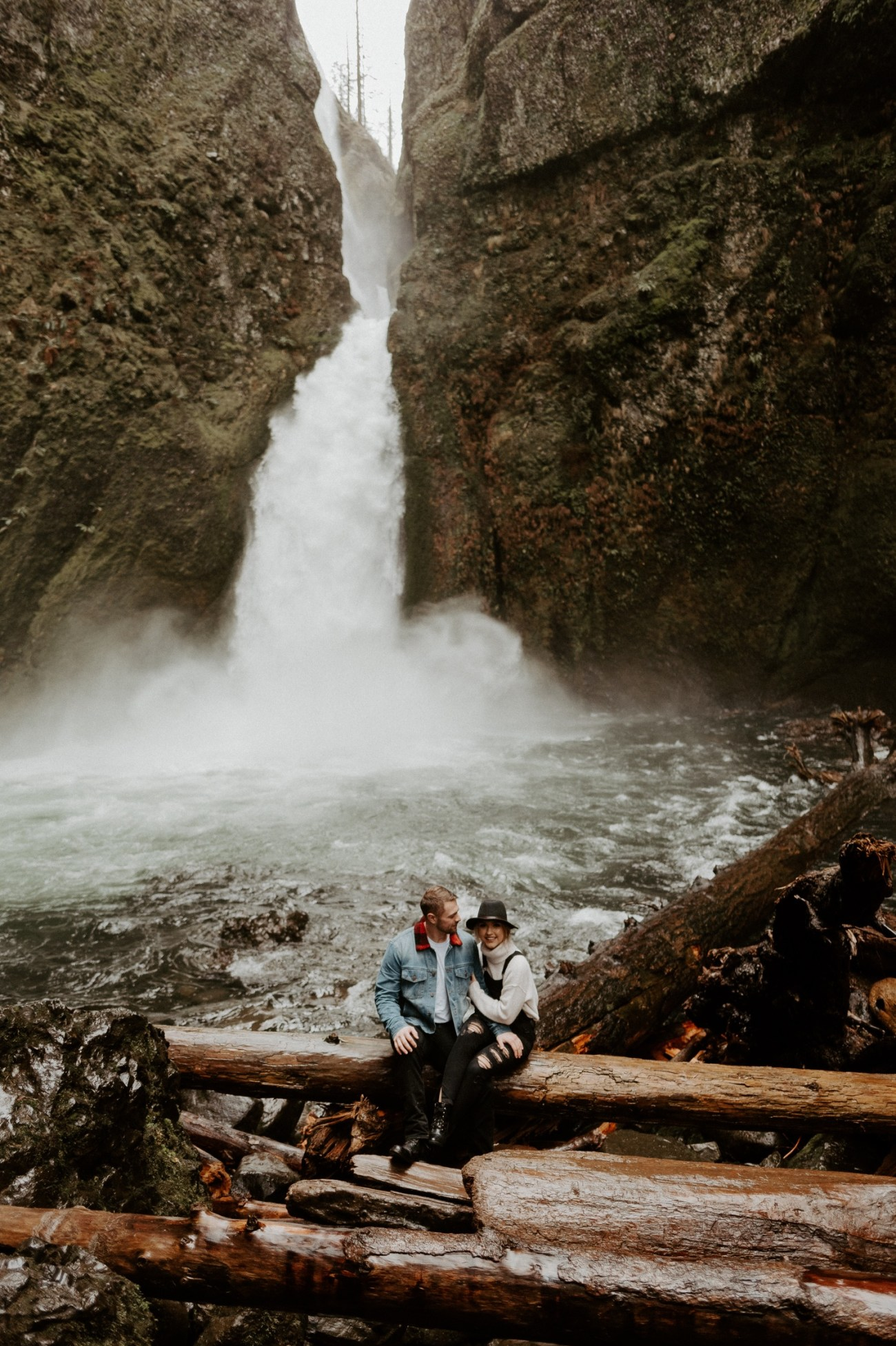 Wahclella Falls Engagement Session Columbia River Gorge Oregon Portland Wedding Photographer Anais Possamai Photography 004