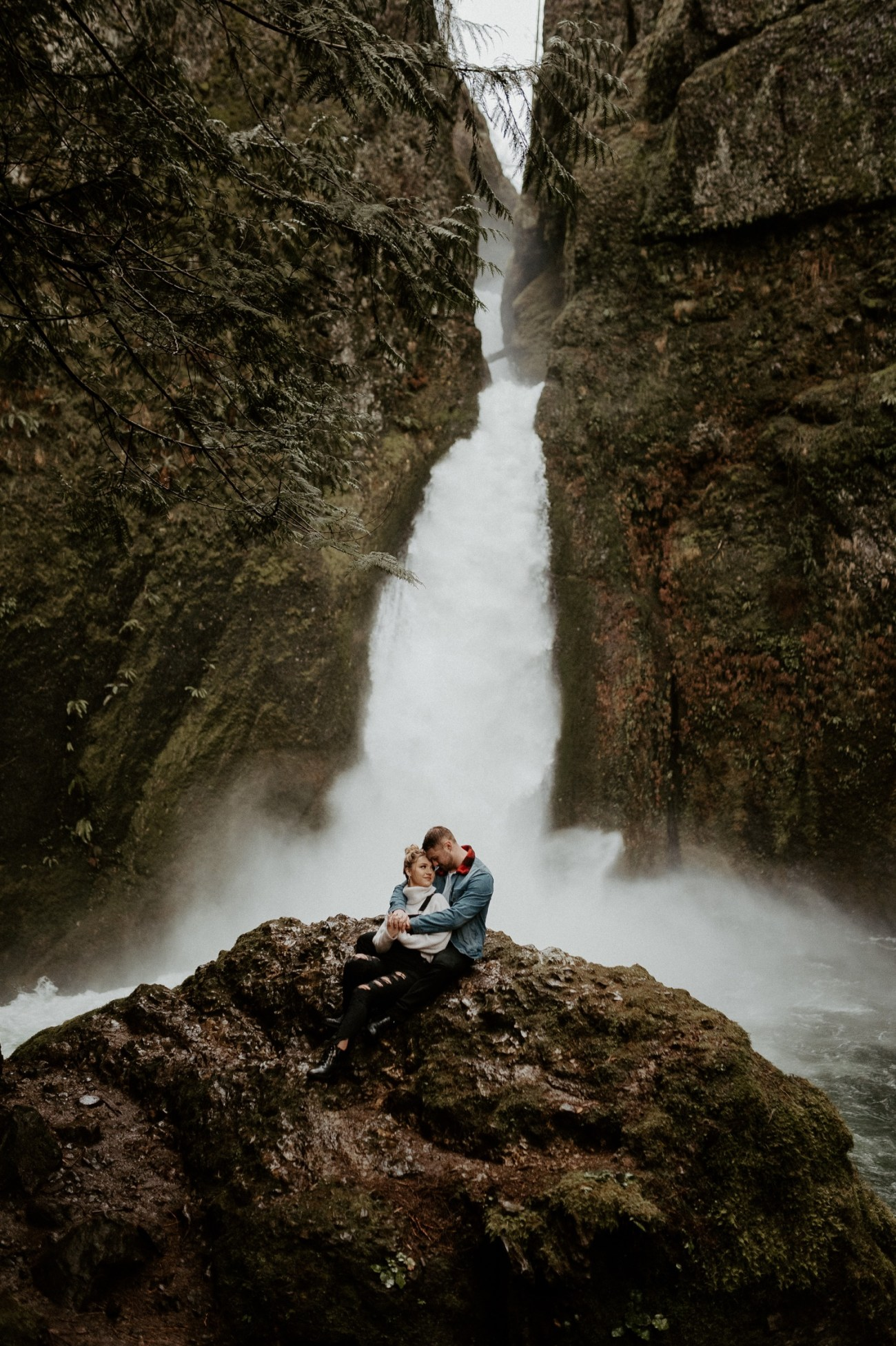 Wahclella Falls Engagement Session Columbia River Gorge Oregon Portland Wedding Photographer Anais Possamai Photography 032