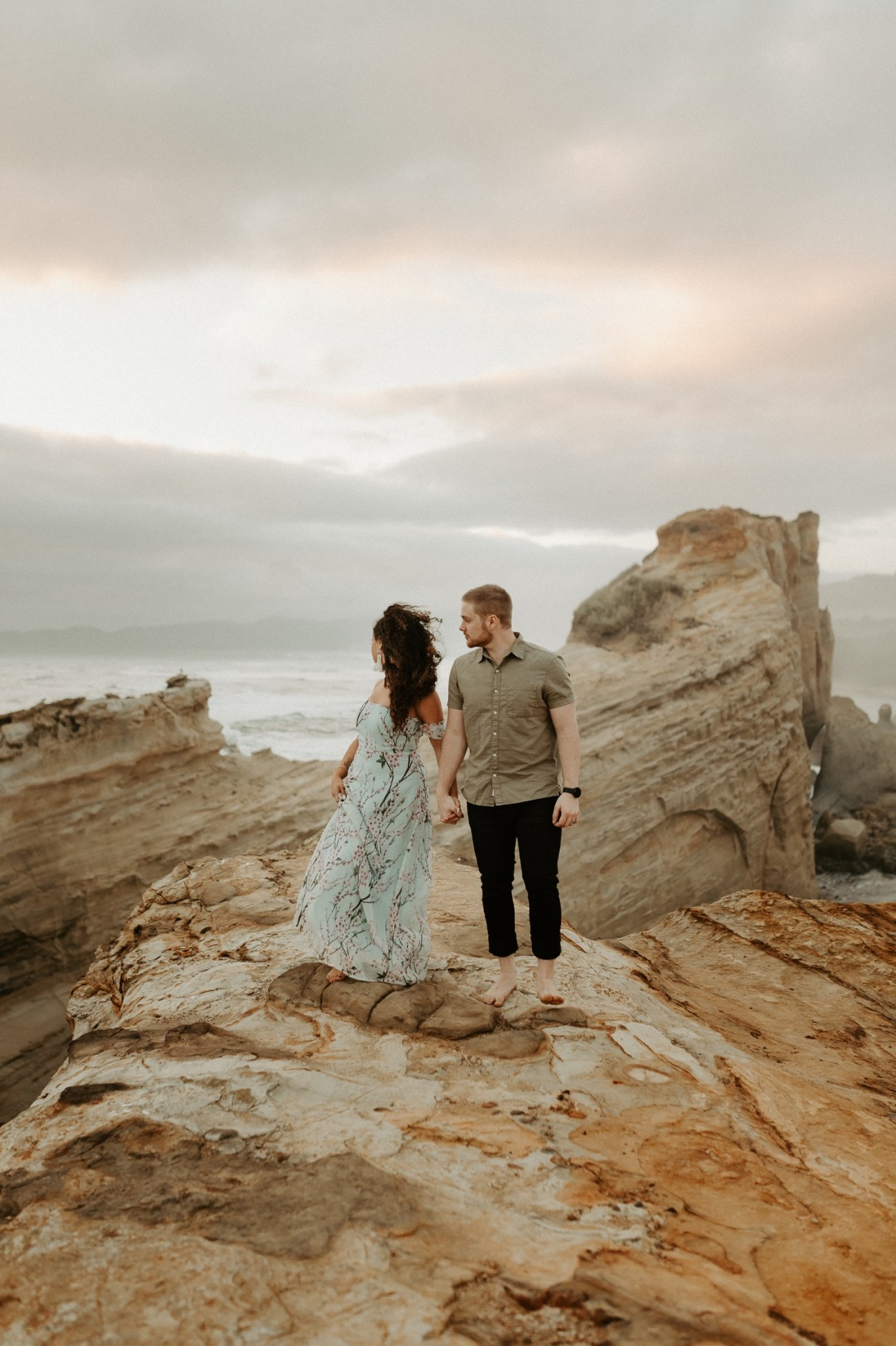 Cape Kiwanda Engagement Session Best Location In Oregon For Engagement Photos Portland Wedding Photographer Anais Possamai Photography 019