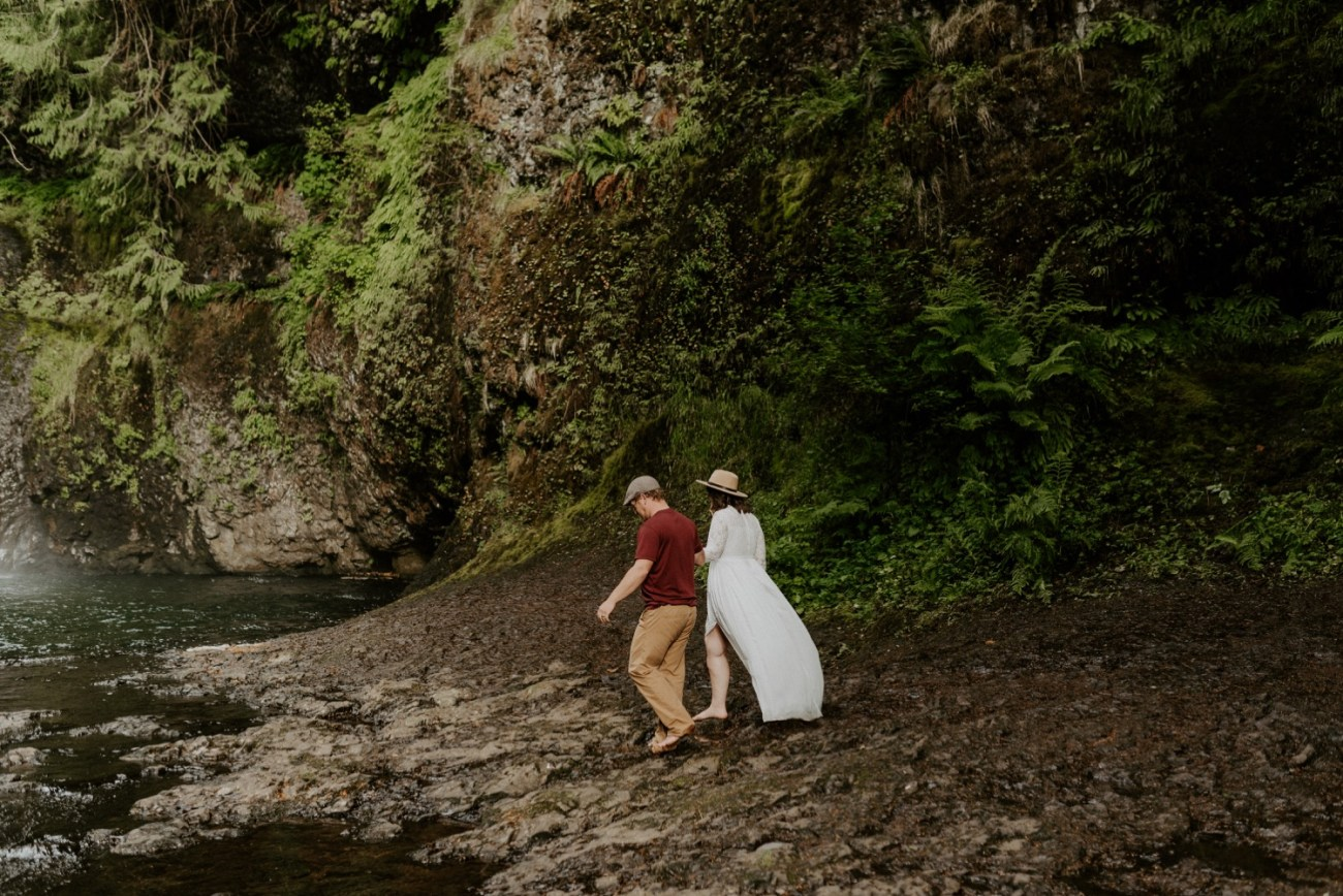 Silver Falls State Park Engagement Session North Falls Engagement Photos Portland Wedding Photographer Oregon Elopement Photographer Anais Possamai Photography 015
