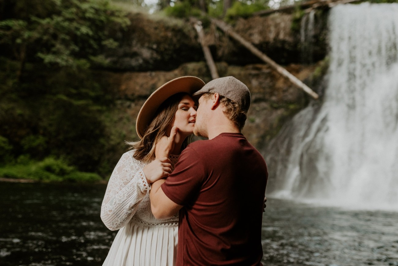 Silver Falls State Park Engagement Session North Falls Engagement Photos Portland Wedding Photographer Oregon Elopement Photographer Anais Possamai Photography 018