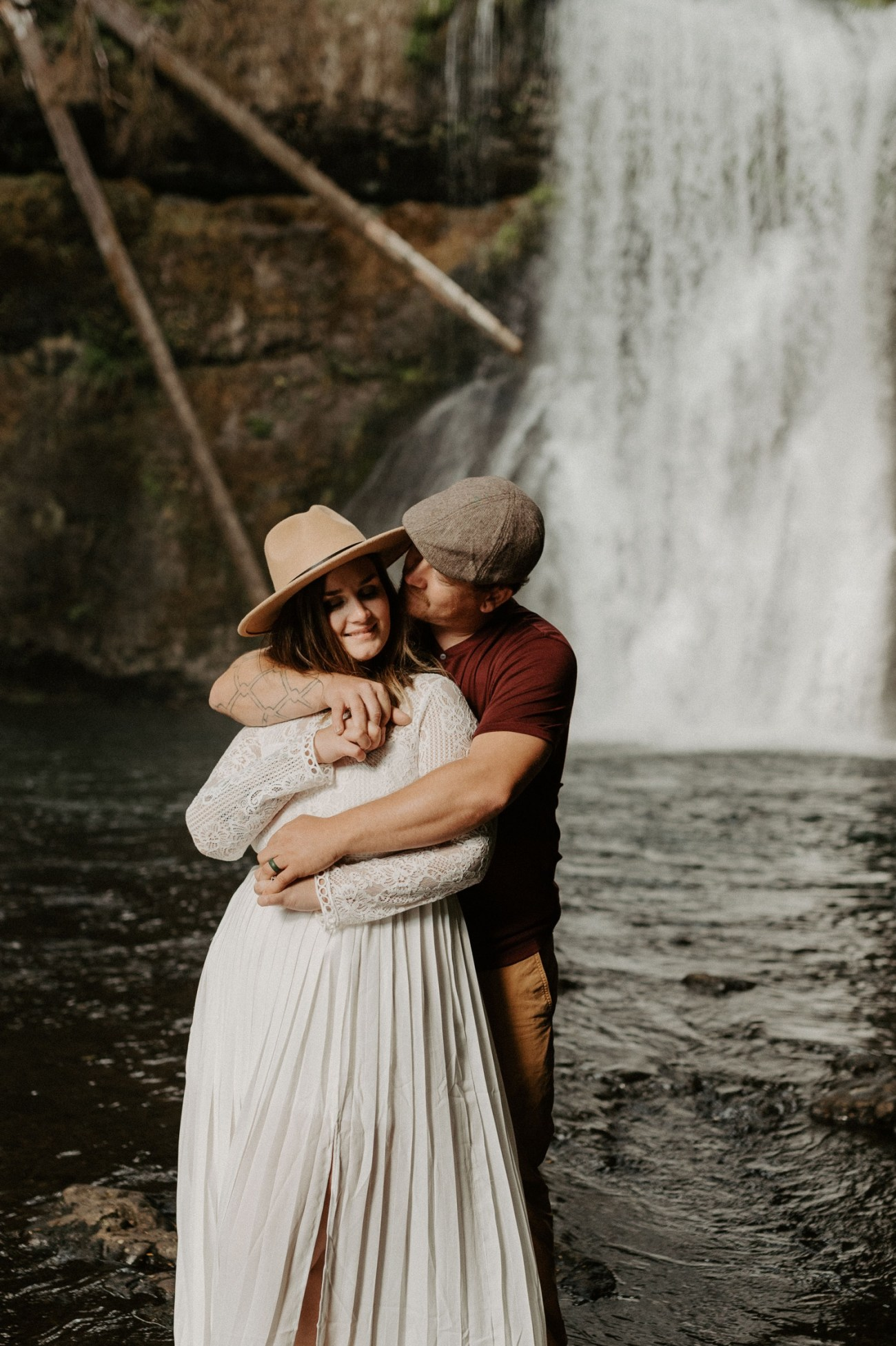 Silver Falls State Park Engagement Session North Falls Engagement Photos Portland Wedding Photographer Oregon Elopement Photographer Anais Possamai Photography 019