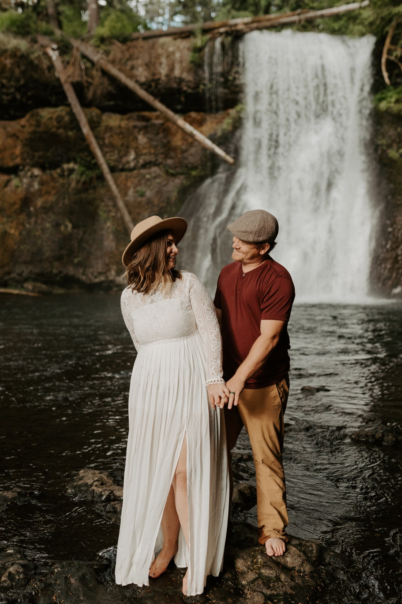 Silver Falls State Park Engagement Session North Falls Engagement Photos Portland Wedding Photographer Oregon Elopement Photographer Anais Possamai Photography 020