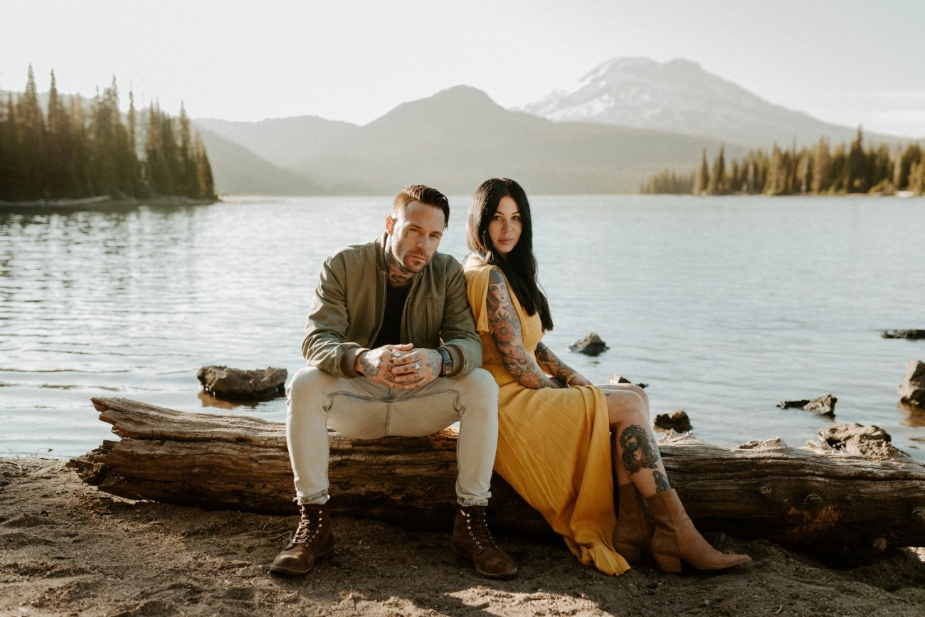 Sparks Lake Engagement Session Bend Oregon Elopement Bend Wedding Photographer Anais Possamai Photography 012