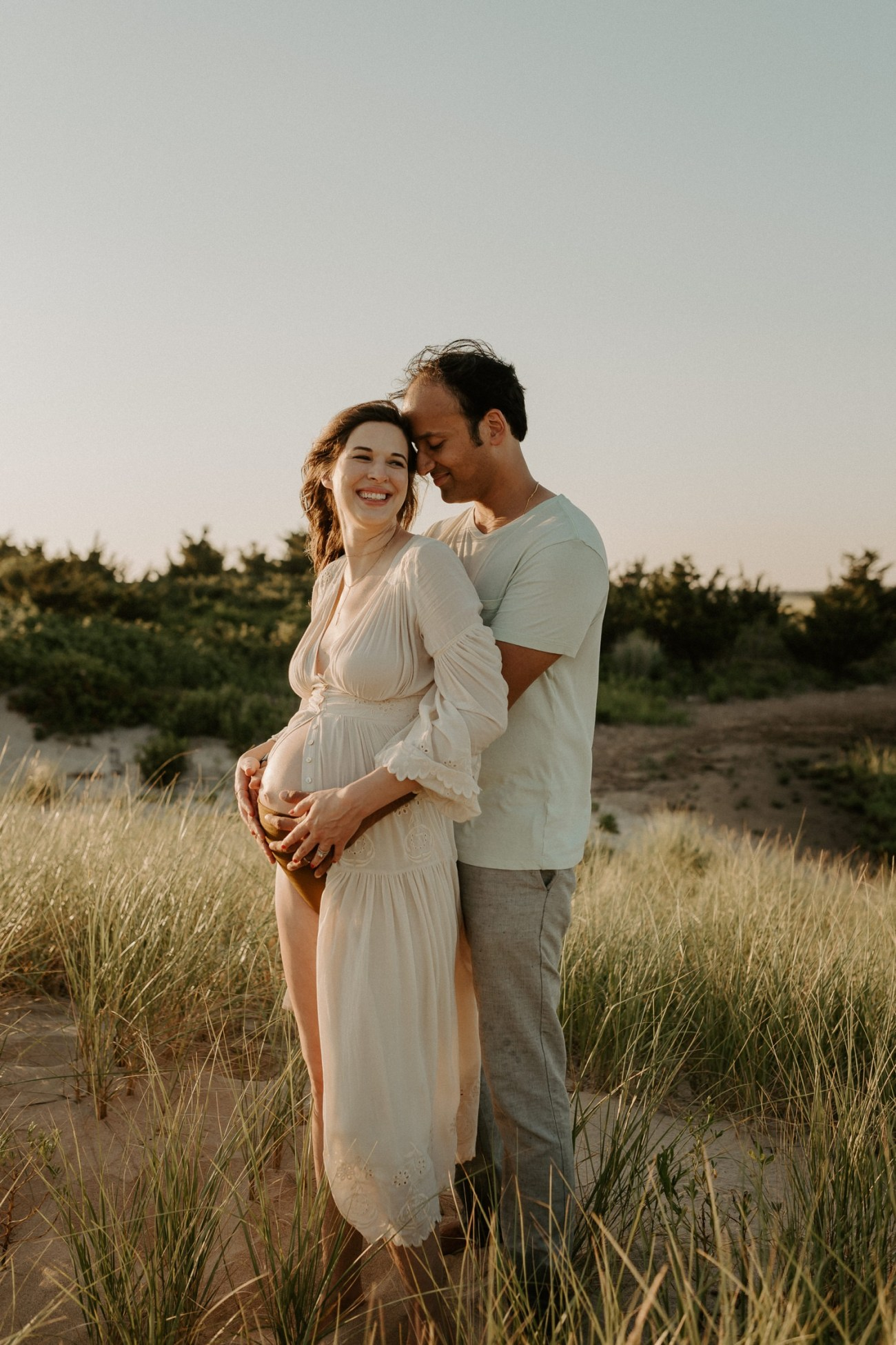 Sandy Hook Maternity Session Oregon Coast Couple Session Oregon Wedding Photographer Bend Wedding Photographer Anais Possamai Photography 010