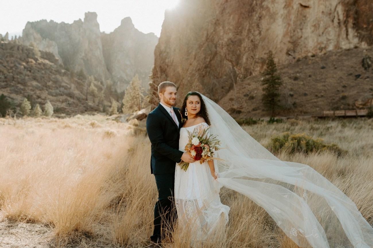 Smith Rock Elopement Bend Elopement Photographer Bend Wedding Photographer Fall Bend Wedding Anais Possamai Photography 014