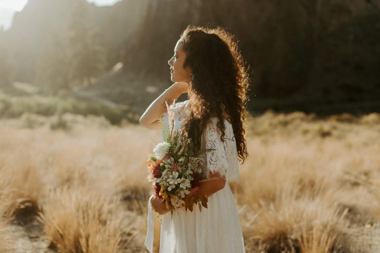 Smith Rock Elopement Bend Elopement Photographer Bend Wedding Photographer Fall Bend Wedding Anais Possamai Photography 027