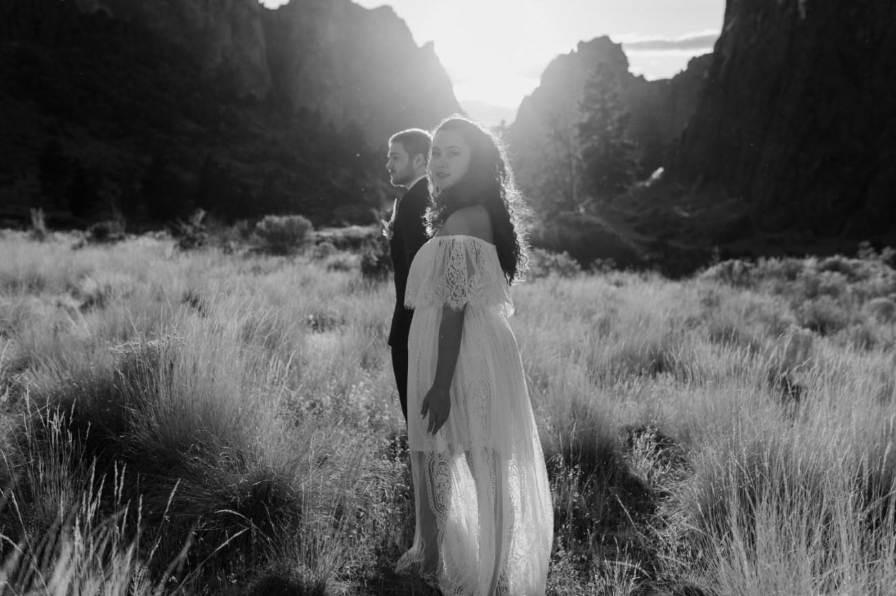 Smith Rock Elopement Bend Elopement Photographer Bend Wedding Photographer Fall Bend Wedding Anais Possamai Photography 031