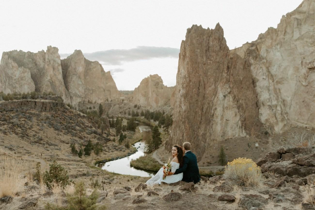 Smith Rock Elopement Bend Elopement Photographer Bend Wedding Photographer Fall Bend Wedding Anais Possamai Photography 033