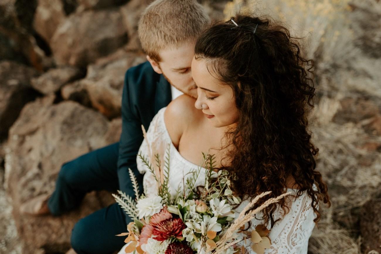 Smith Rock Elopement Bend Elopement Photographer Bend Wedding Photographer Fall Bend Wedding Anais Possamai Photography 035