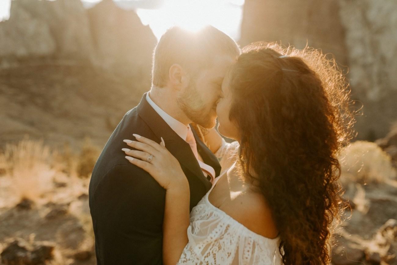 Smith Rock Elopement Bend Elopement Photographer Bend Wedding Photographer Fall Bend Wedding Anais Possamai Photography 038