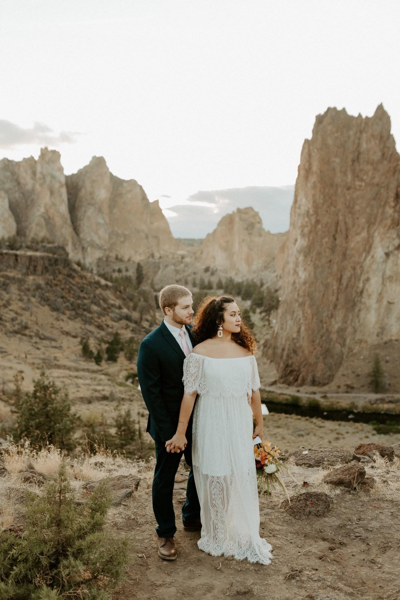 Smith Rock Elopement Bend Elopement Photographer Bend Wedding Photographer Fall Bend Wedding Anais Possamai Photography 041