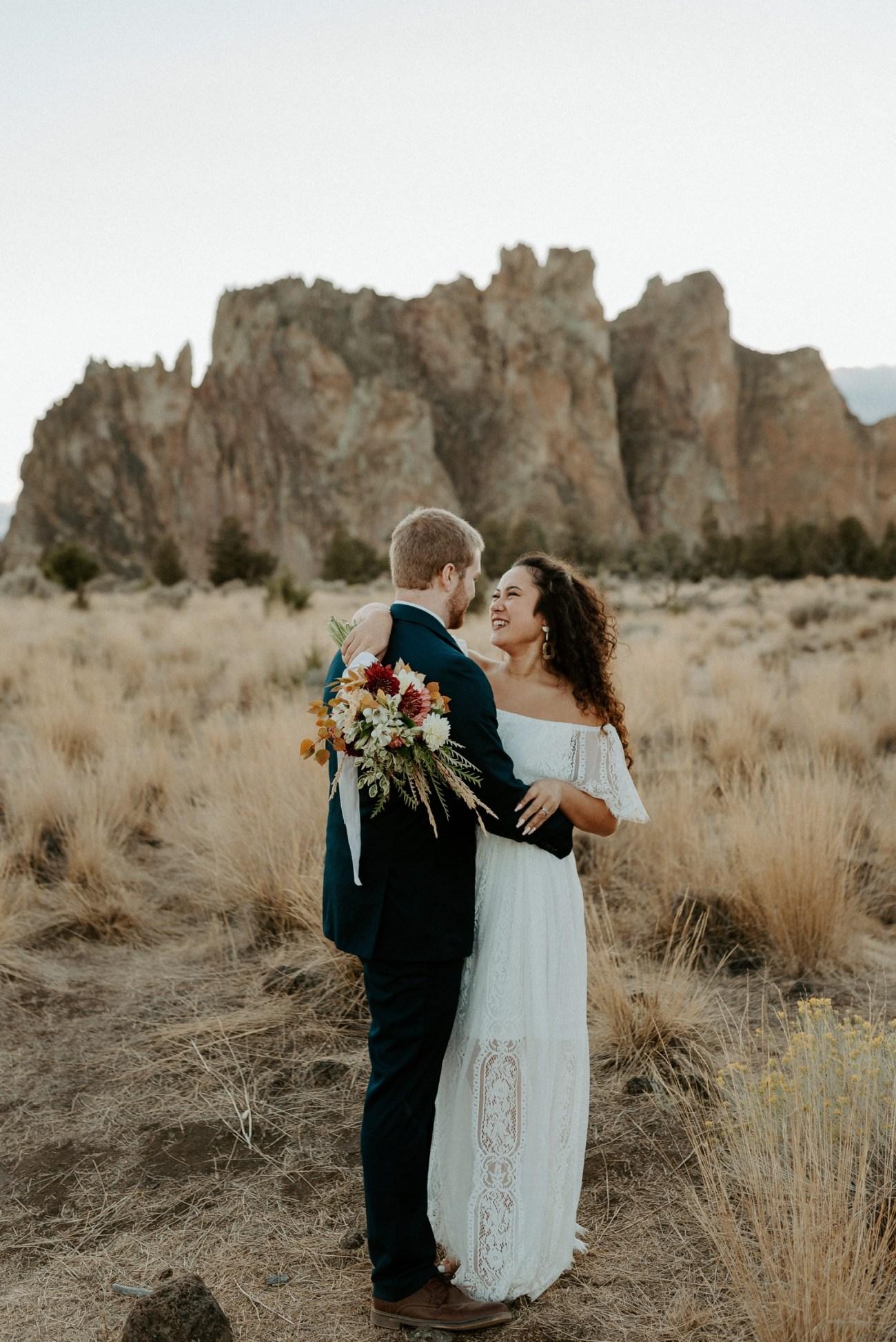 Smith Rock Elopement Bend Elopement Photographer Bend Wedding Photographer Fall Bend Wedding Anais Possamai Photography 042
