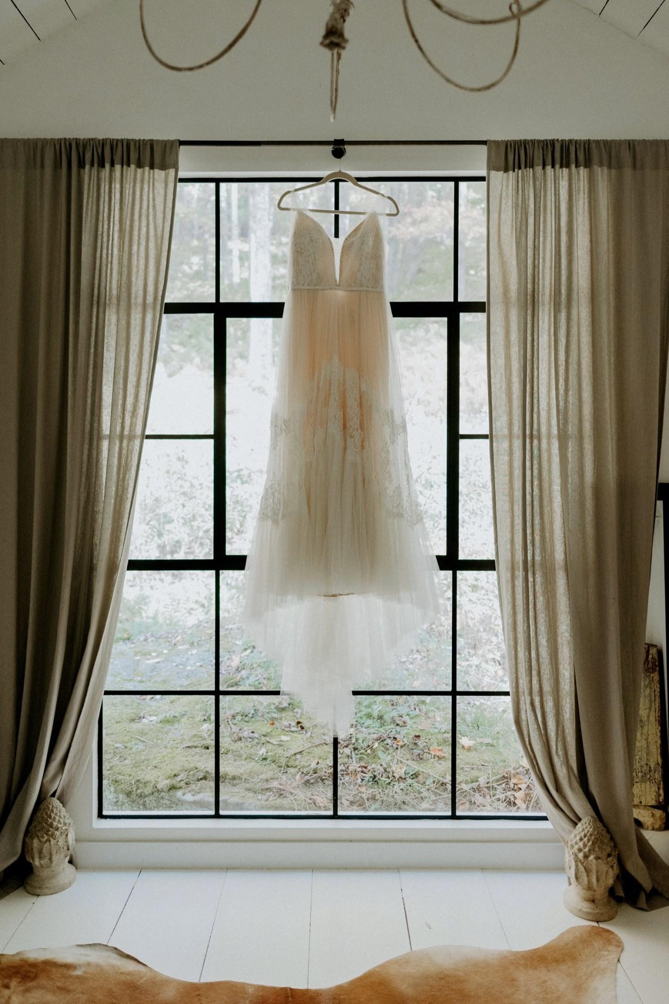 Handsome Hollow Wedding Catskill Up State New York Wedding Photographer Anais Possamai Photography 005