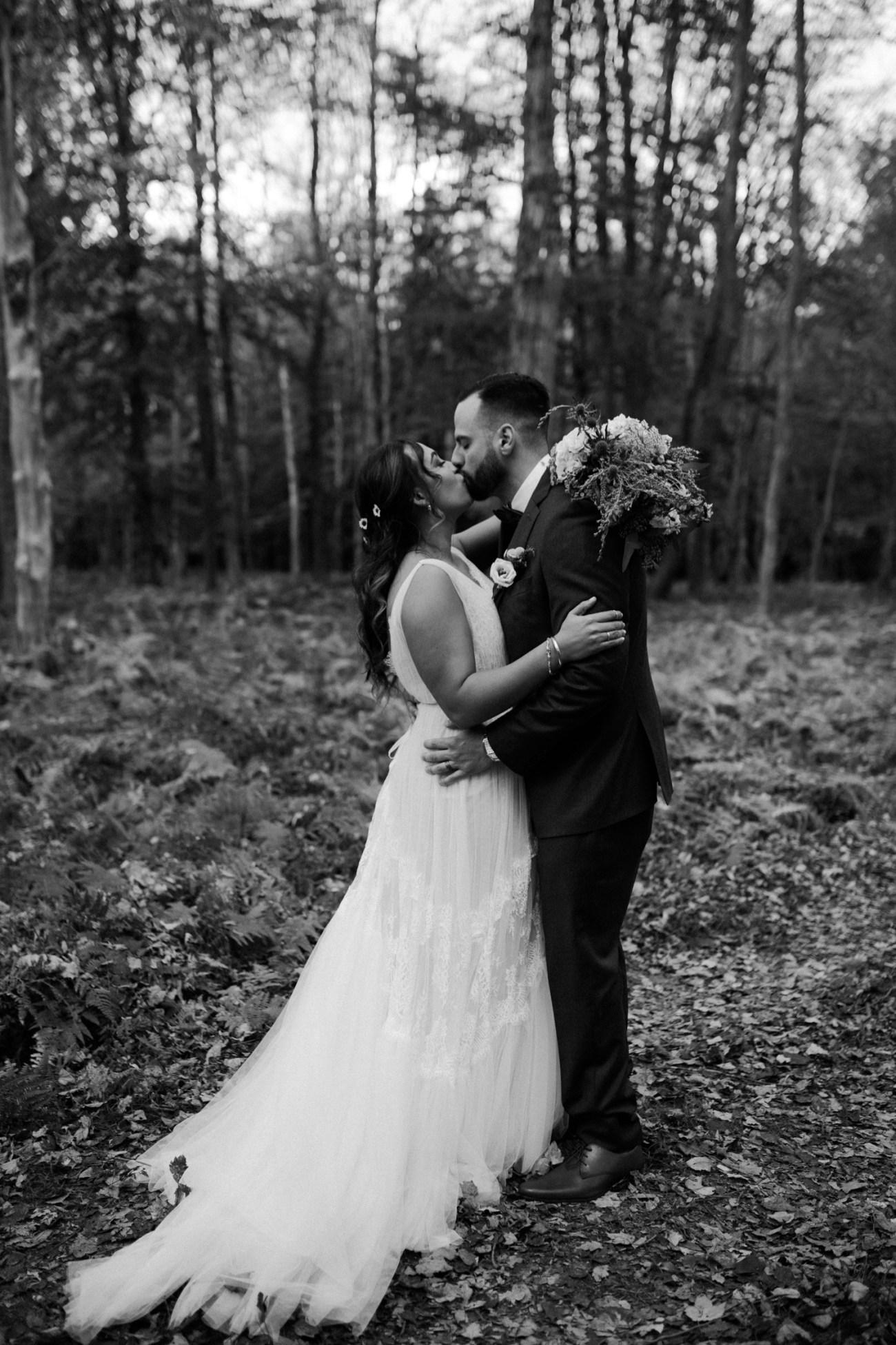 Handsome Hollow Wedding Catskill Up State New York Wedding Photographer Anais Possamai Photography 040