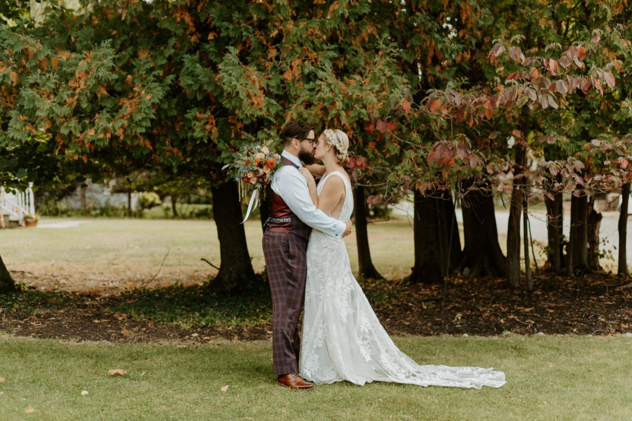 New Jersey Fall Backyard Wedding Bend Wedding Photographer NJ Wedding Photographer Anais Possamai Photography 021