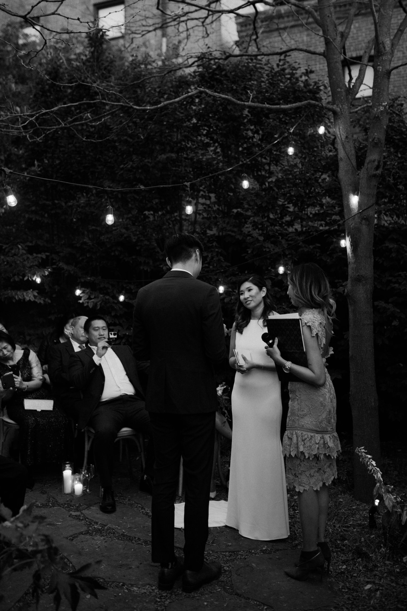 Brooklyn Backyard Wedding In Brownstone House New York City Wedding Photographer Anais Possamai Photography 09