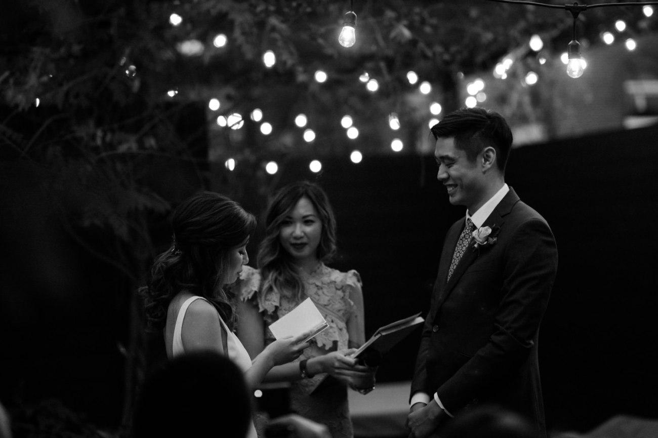 Brooklyn Backyard Wedding In Brownstone House New York City Wedding Photographer Anais Possamai Photography 10