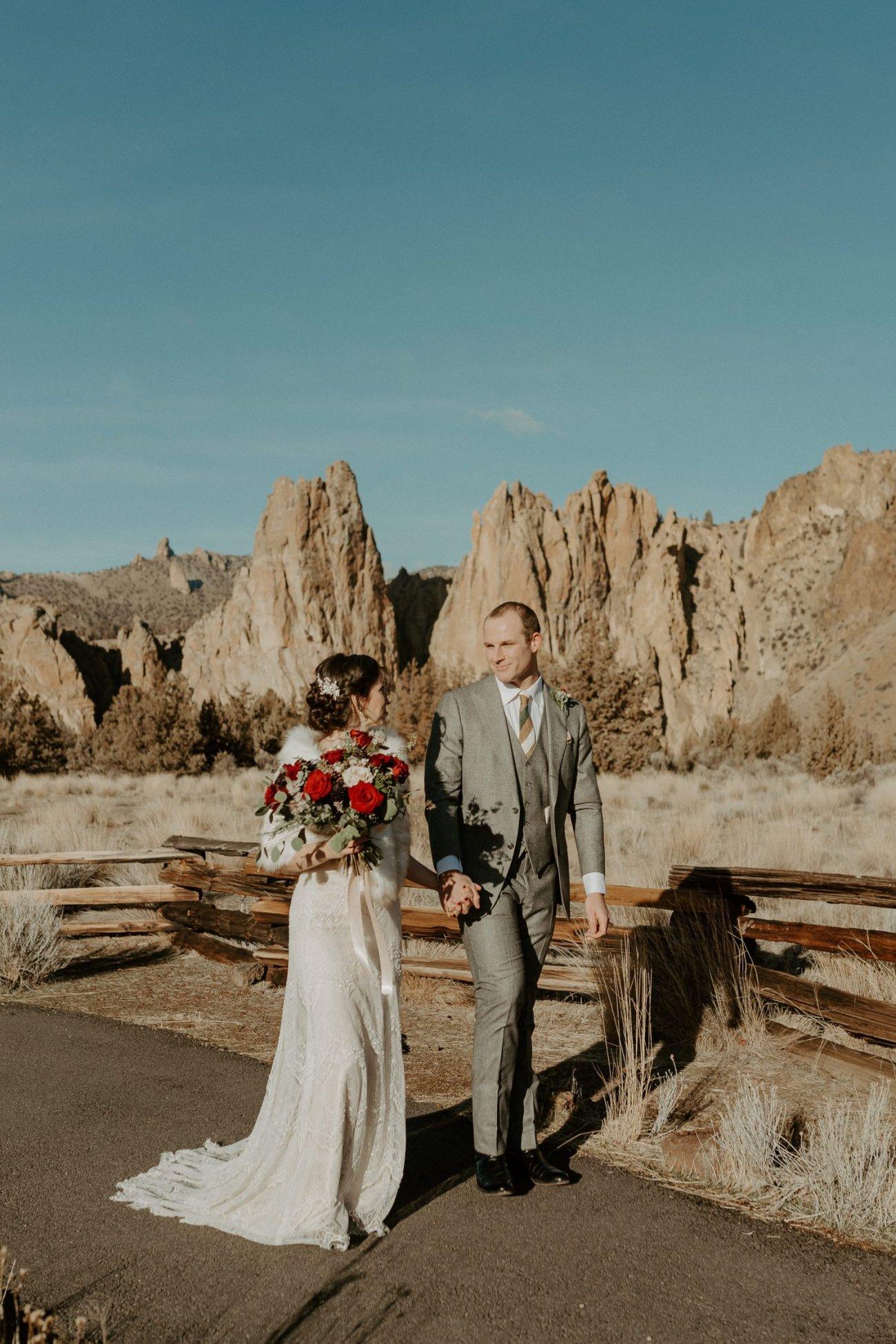 Intimate Wedding In Smith Rock State Park Bend Oregon Wedding Photographer Anais Possamai Photography 016