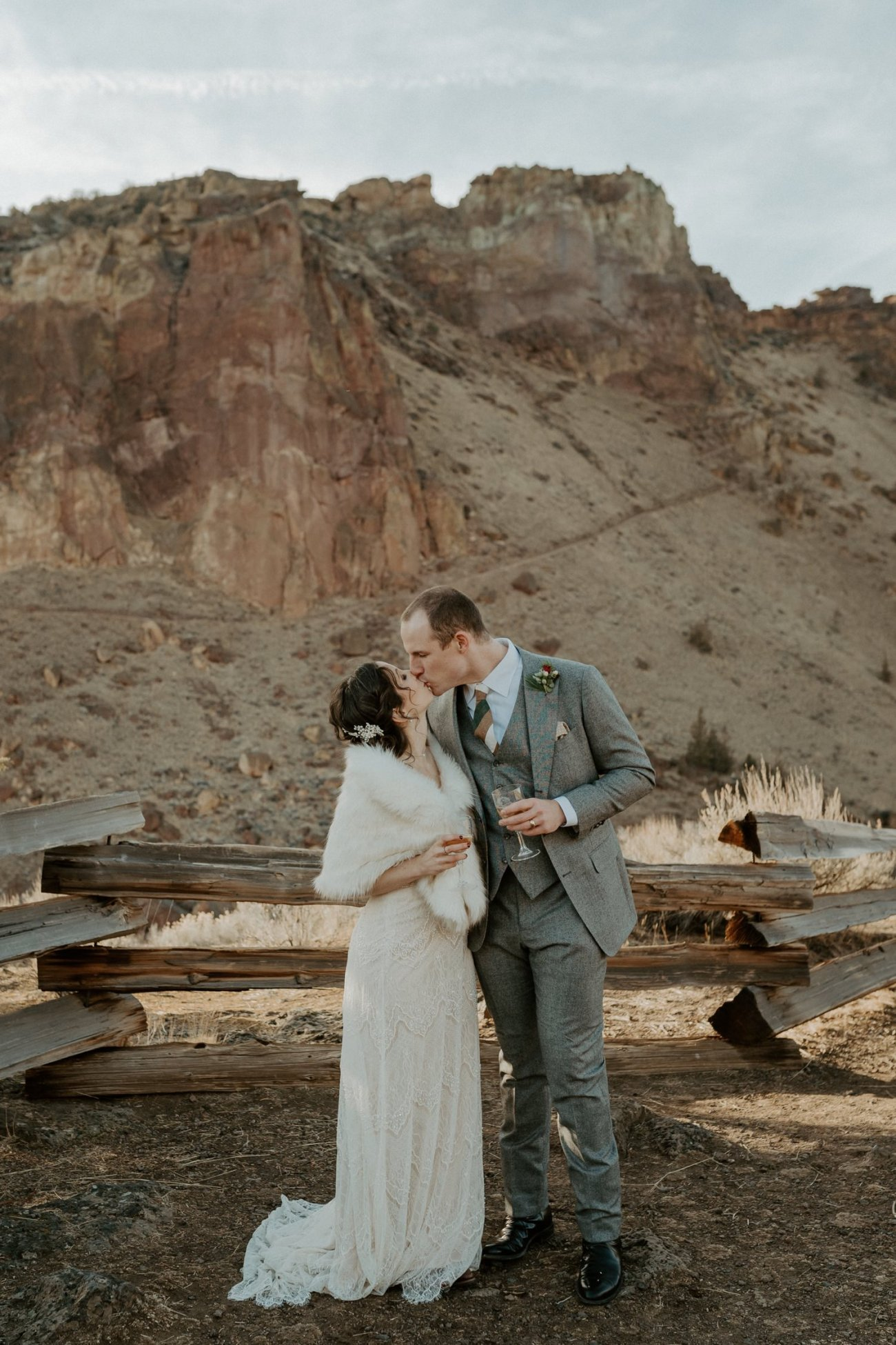 Intimate Wedding In Smith Rock State Park Bend Oregon Wedding Photographer Anais Possamai Photography 025